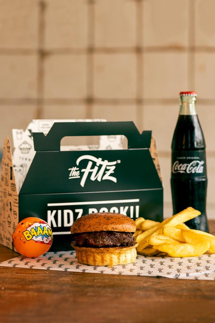 Menú infantil - Kidz Burger Meal